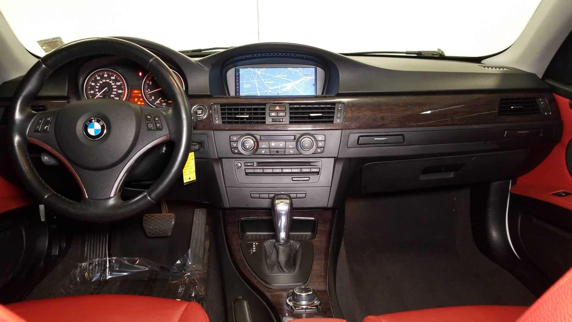 2011 BMW 328i Cpe 9